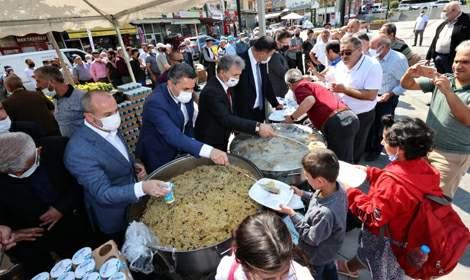 Tokat'ta yılın ahisine kaftan giydirildi