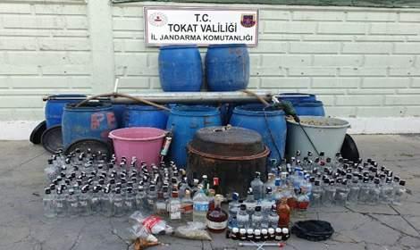 Tokat'ta 1 ayda bin 785 litre kaçak içki ele geçirildi