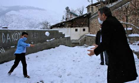 Başkan Eroğlu'ndan küçük Mustafa'ya sürpriz ziyaret