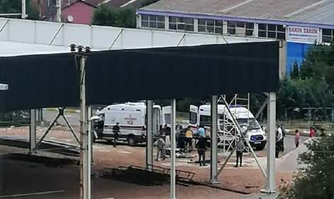 Fabrikada elektrik akımına kapılan 3 işçi yaralandı