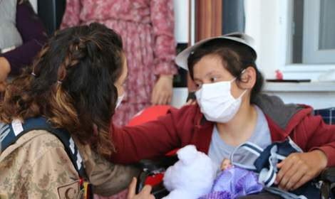 Jandarmadan engelli Hanife'ye sürpriz ziyaret