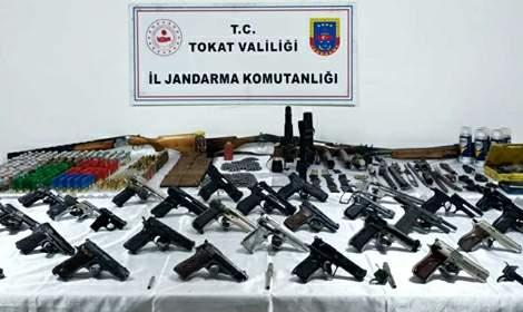 Kurusıkıları tabancaya çeviren şüpheliye gözaltı