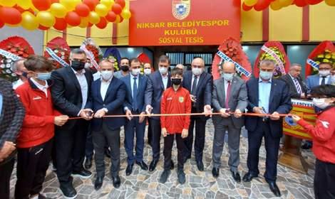 Niksar Belediyespor'un sosyal tesisleri açıldı