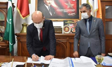 Niksar Belediyesi'nde toplu iş sözleşmesi imzalandı