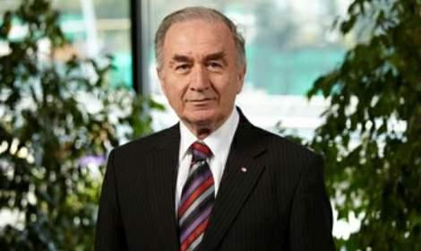 Niksarlı bürokrat Süreyya Yücel Özden koronovirüsten öldü