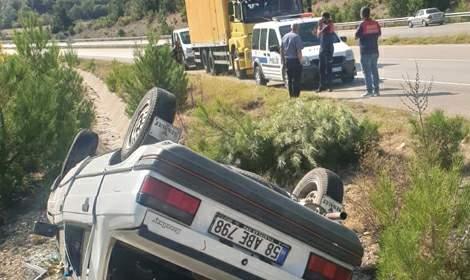 Reşadiye'de otomobil su kanalına düştü: 2 yaralı