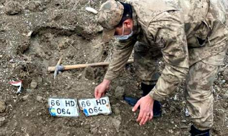 Traktör hırsızlığı şüphelilerini jandarma yakaladı