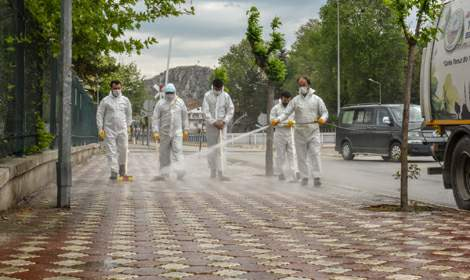 Turhal Belediyesi, dezenfekte çalışmalarını sürdürüyor