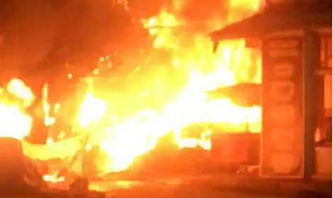 Tokat'ta kuruyemiş dükkanında çıkan yangın, 6 iş yerine daha sıçradı