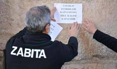 Tokat Zile'de, parklar ve tarihi kale ziyarete kapatıldı